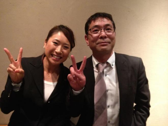 先日、プロゴルファーの木戸愛さんが天穂にご来店くださいました!  オーナーと一緒に写真取らせて頂きました(^-^)