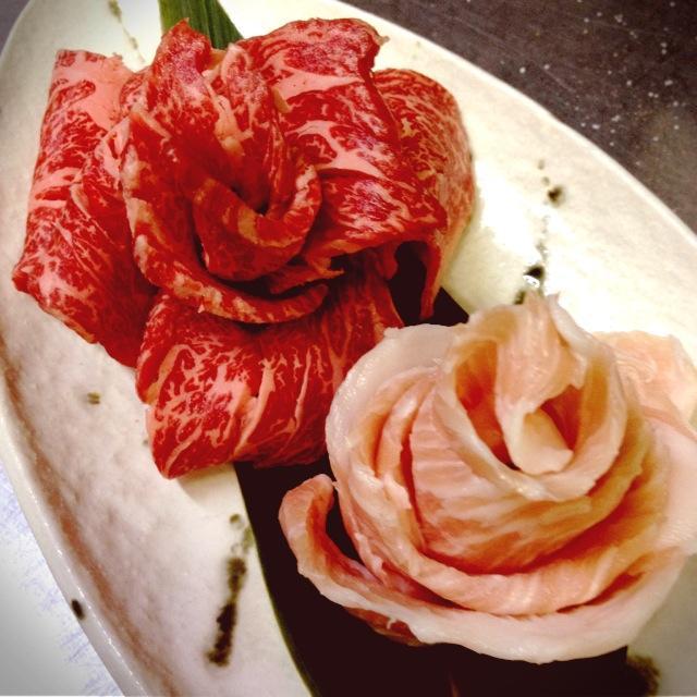 薔薇をイメージしたお肉の花です。